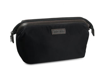 China Easy Carrying Mens Toiletry Bag 600D Polyester Material Simple Design Big Capacity supplier